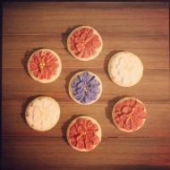 Simple flower cookies